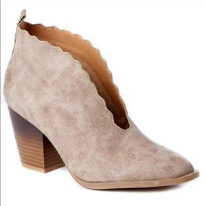 Qupid Scalloped Ankle Booties